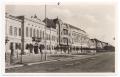 Békéscsaba, Szent István tér 1930 - épül a katolikus bérpalota (téglák és cserepek), városháza, Weisz-bérház, Laszky-ház, postapalota